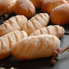 春はピクニック気分でランチ会♪もっちりコッペ&桜パン