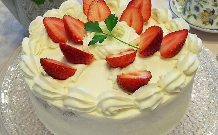 はじめてさんにも出来るふんわりしっとりのストロベリーショートケーキ!