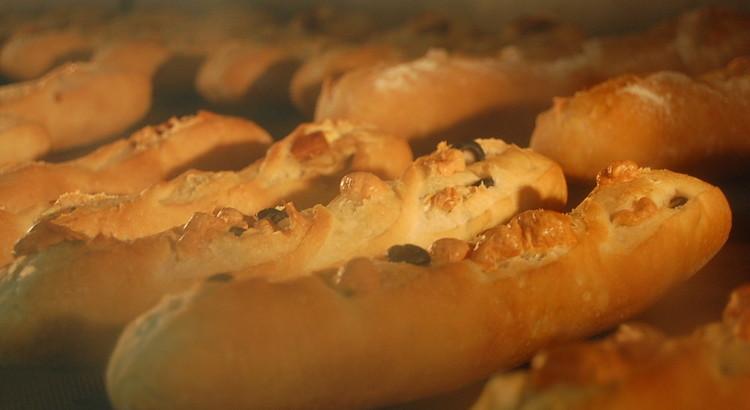 初心者でもできるヨーロッパ産小麦が香る『ミニバゲット』2種 4本