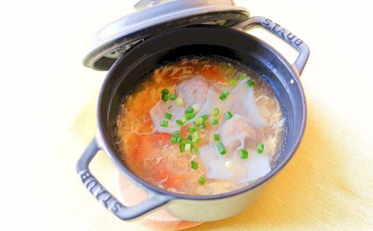 トマトと卵のワンタンスープ
