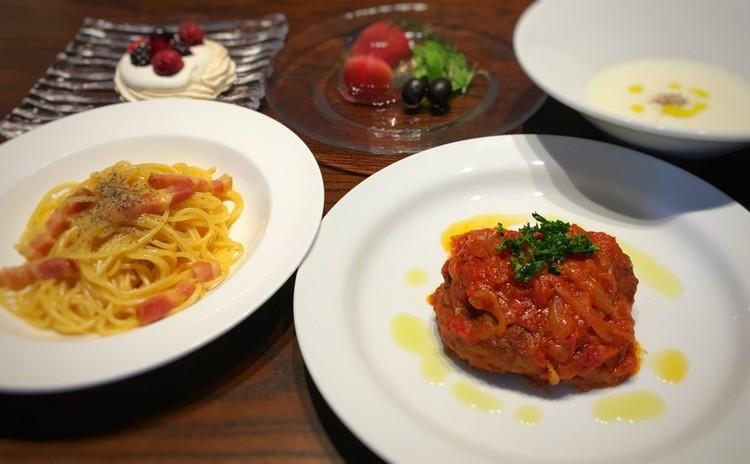 ハンバーグのトマト煮込みと本場ローマ風カルボナーラ 他3品