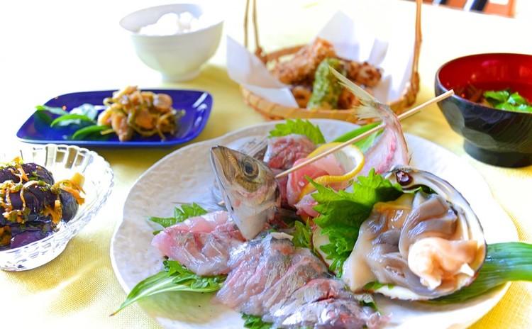 【居酒屋直伝!】鯵とホッキ貝のお造りとアサリの佃煮お持ち帰り・旬の小鉢