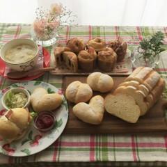 ミルクハース・白パン・フルーツマフィンブレッド・苺のコンフィチュール