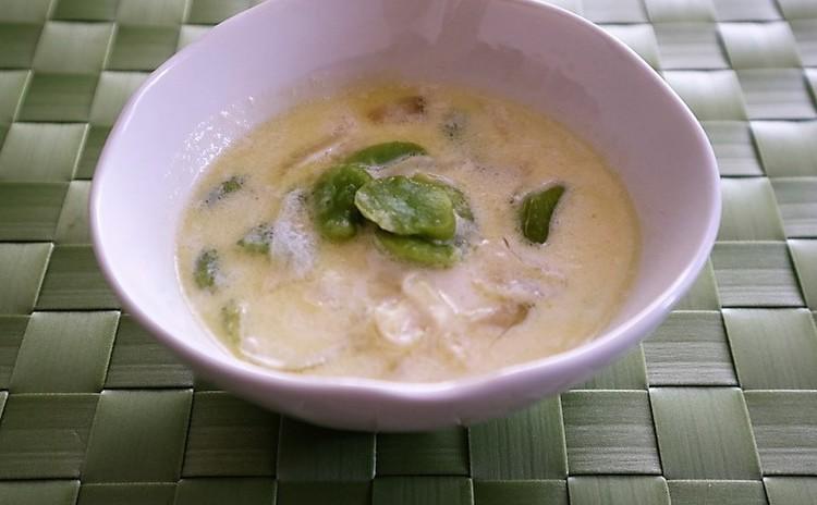 そら豆と新タマネギのスープ