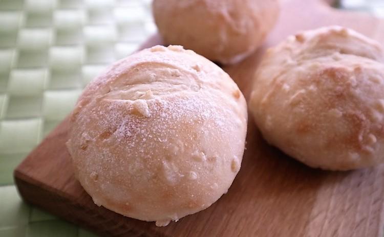 ふわふわもっちりお米の甘さ引き立つ発芽玄米パン