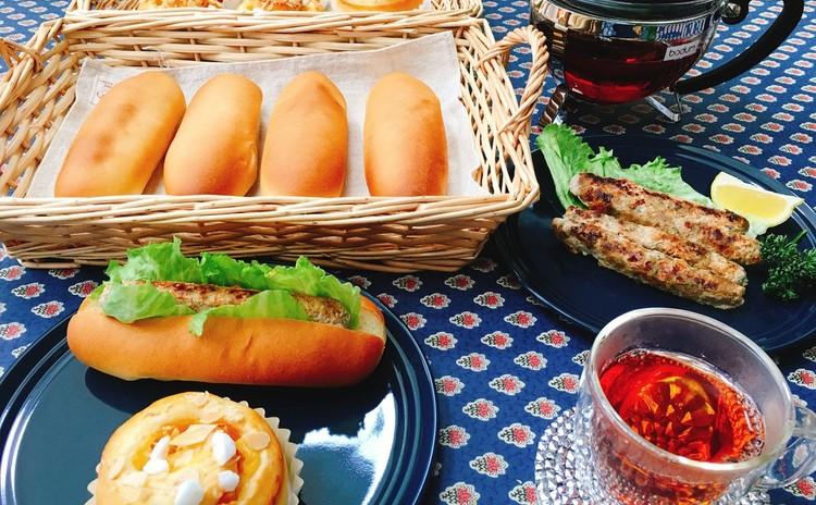 コッペパンと甘夏カスタードロール、手作りソーセージ