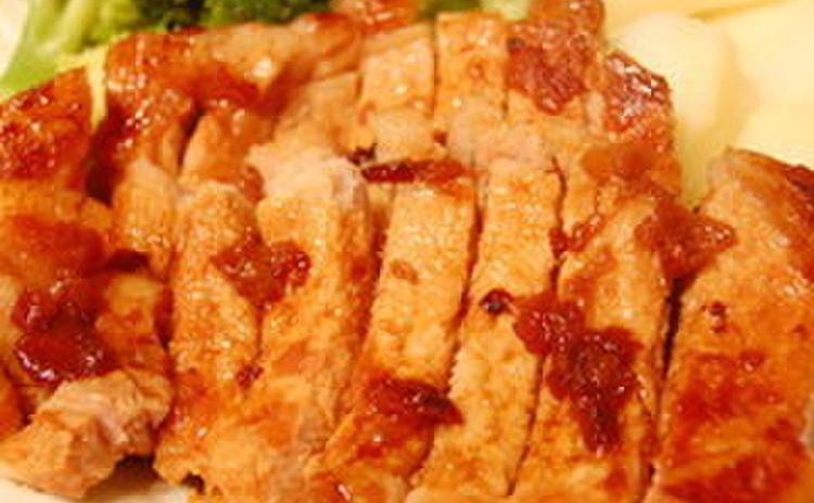 豚の梅肉焼きと黒米ごはん