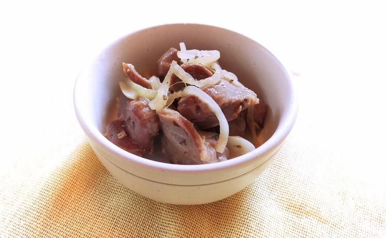 砂肝玉葱のバジル炒め