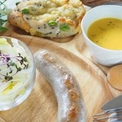 イタリアンソーセージ【サルシッチャ】と自家製天然酵母の枝豆チーズパン♡