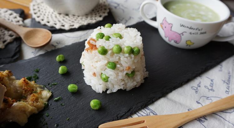 梅干し入り♡ピンクの豆ご飯