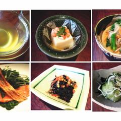 人気の鰹出汁をベースとして玉子豆富や和食の定番料理をレッスン♪