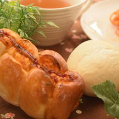 ♪人気の総菜パン(^^)/フランクロールパン&ハイジの白パン