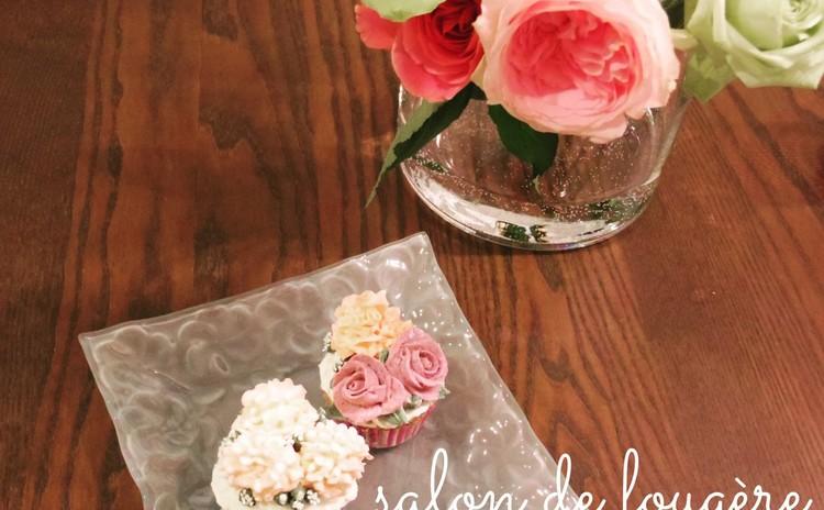 母の日は素敵なギフトを♡期間限定カーネーションとバラのフラワーケーキ