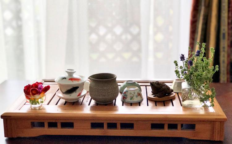 食後、季節の中国茶席と口直す茶請け
