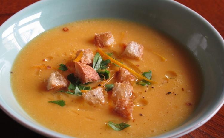 オレンジ風味の人参スープ