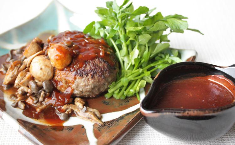 梅雨の間にじっくり向き合う家庭料理。ベーシックなハンバーグステーキ!