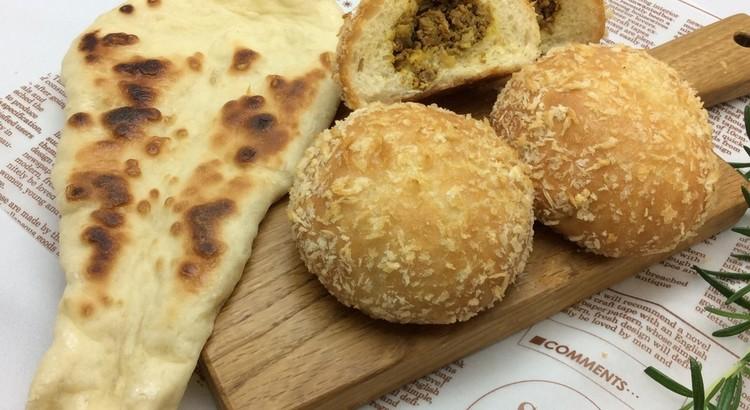 1つの生地で2種類のパン作り「焼きカレーパン」「ナン」