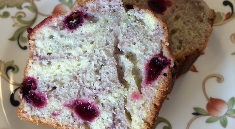 ブルーベリーとチーズの発酵バターケーキ