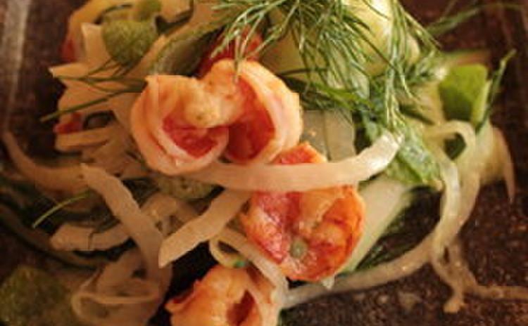 きゅうりと海老のハーブサラダ