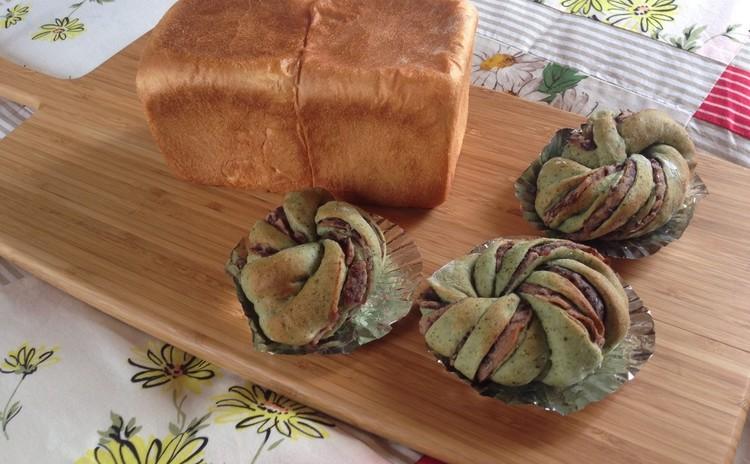 イーストで作る よもぎ餡ロールとしっとり角食ミルクブレッド