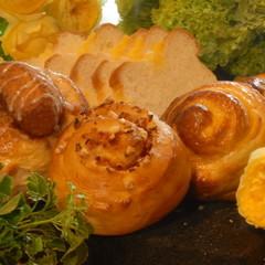 新緑の季節にピッタリ☆3つの味わいロールブレッド