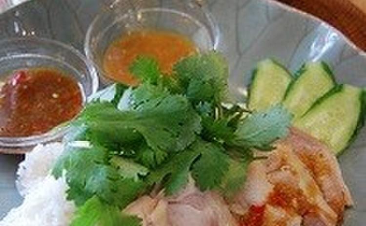 カオマンガイの2種類のソース
