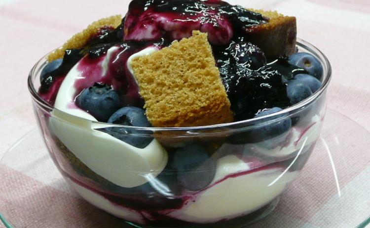 ブルーベリーの冷たいスウィーツと豆腐のお菓子でおウチカフェOPEN!