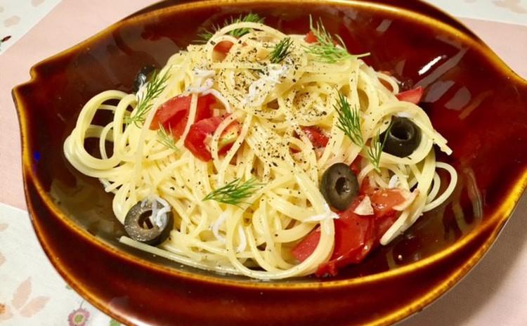 しらすとトマトのペペロンチーノ