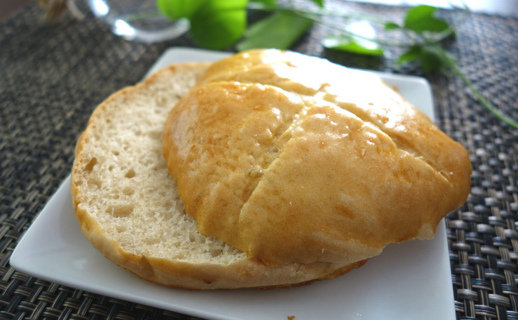 【そば粉入りパン】そば独特の食感と風味♪