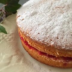 イギリスの伝統的なケーキ!ヴィクトリアサンドイッチケーキ