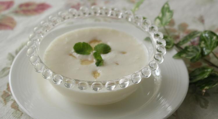 桃のヨーグルトスープ