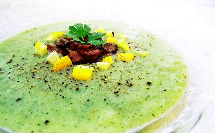 ズッキーニのシャキシャキ冷製スープ