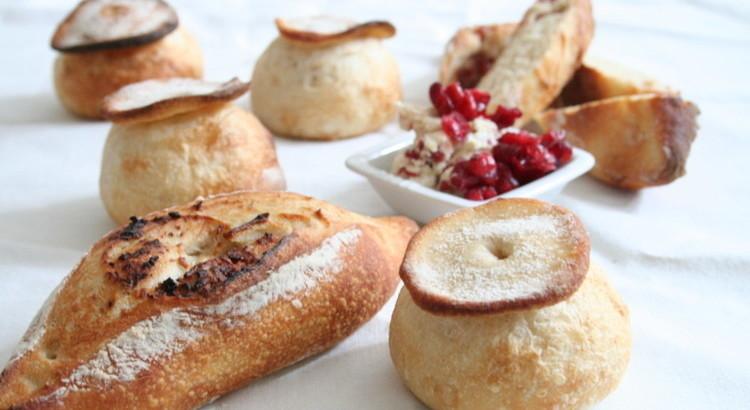 自家製酵母パン!クランベリークリームチーズのハードパン&シャンピニオン