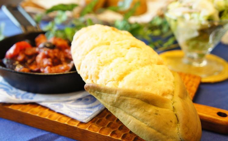 夏に食べたいデリご飯*『もろこしメロンパン』&『紅茶のロールケーキ』