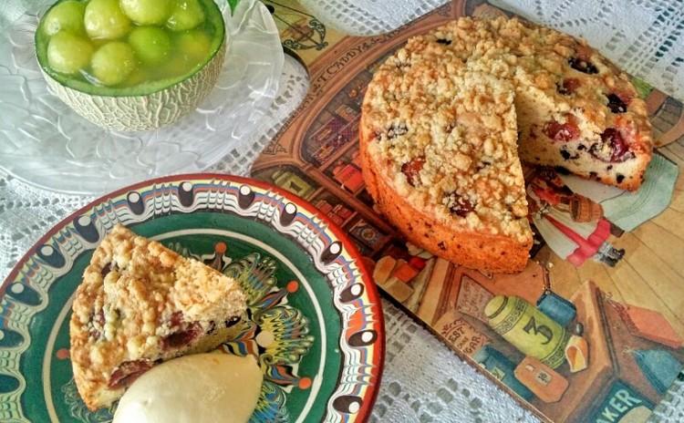 旬の果物を丸々デザートに!チェリーケーキ手作りアイス添え&メロンジュレ