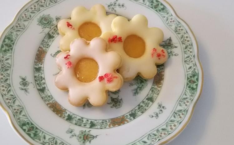 お花のジャムサンドクッキー