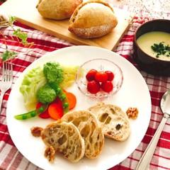 自家製酵母でくるみクッペとお野菜いっぱい夏ランチ