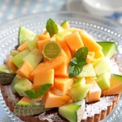 旬のメロンを贅沢に使った季節のタルトおもてなしケーキとしていかがですか