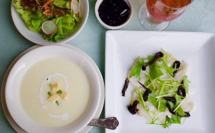 鮮魚のマリネ(北海タコのマリネ)とビシソワーズ(ジャガイモ冷製スープ)