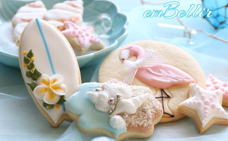 フラミンゴとサーフボードのアイシングクッキー
