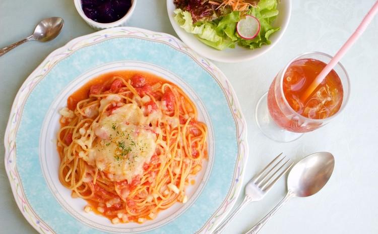 シェフから学ぶ絶品イタリアントマトとチーズ
