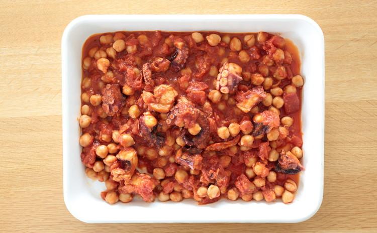 たことひよこ豆のトマト煮
