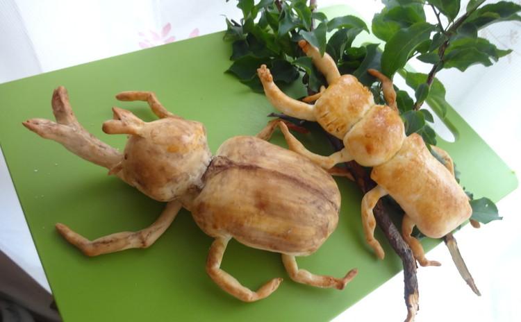 「夏休みパン工作」好きなのはカブト虫かな、クワガタかな。