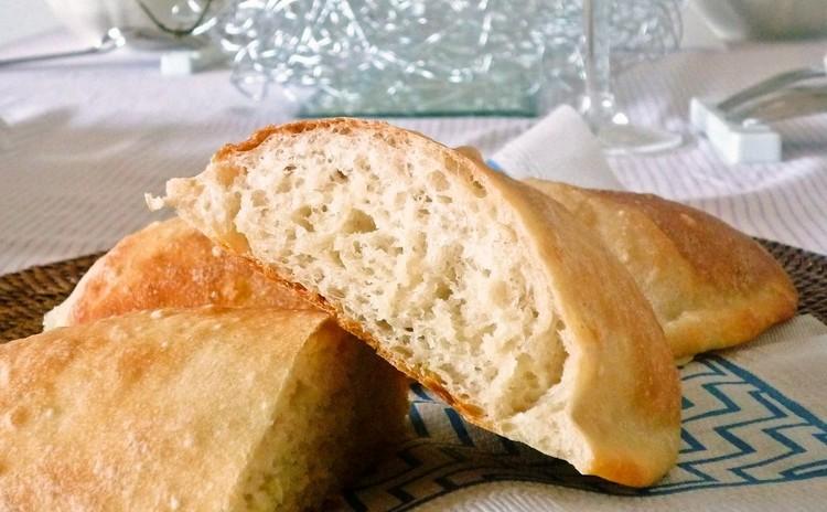 ビールで捏ねるパン作り体験