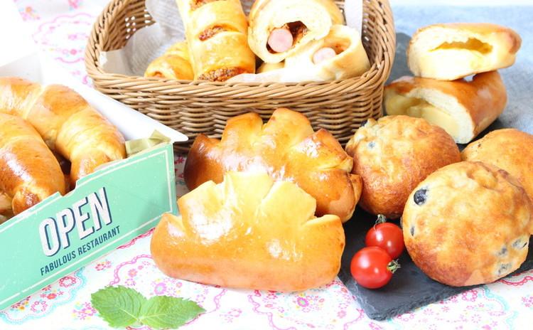 作りたいパンが選べるのがうれしい 4種類のパン①クリームパンお豆パン