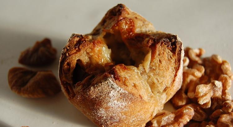 ライ麦天然酵母の『ブルーチーズのライ麦パン』
