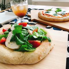 有機トマト酵母で2種のピザ&自家製ジンジャーエール