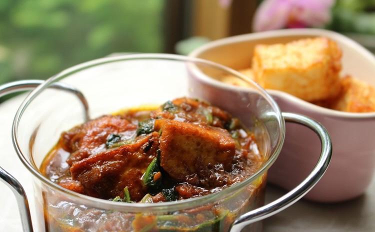 土曜日も開催 最大級のおもてなし料理「パニールカリー」を食べてみよう!