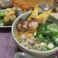 タイの庶民の味センレックナームは、米粉100%の麺でとてもヘルシー☆