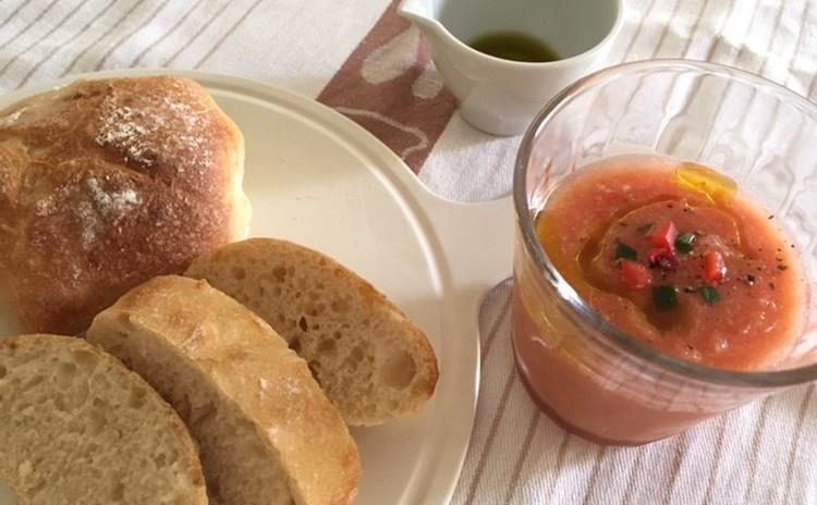 ホシノ丹沢天然酵母で作る高加水パン リュスティック2種&ガスパチョ